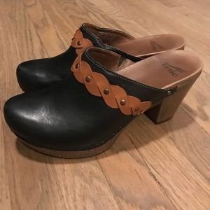 Dansko Black and Tan / Brown Leather Clogs